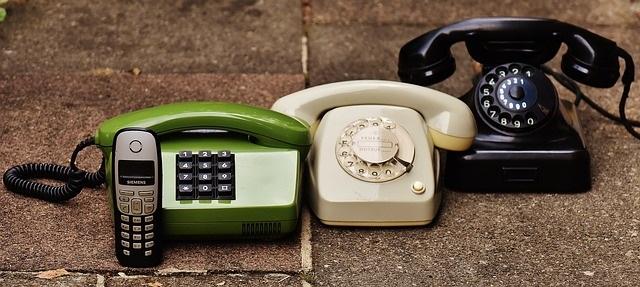 ビジネスフォンの「自動転送」の種類と利用法