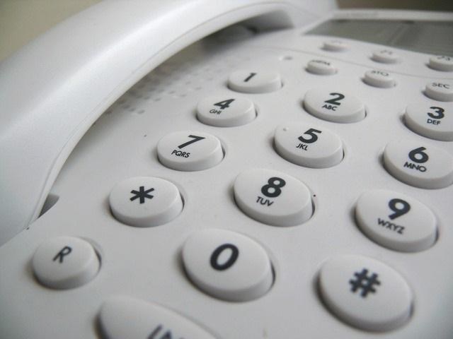 ビジネスフォンの「口頭転送」と「内線転送」のやり方